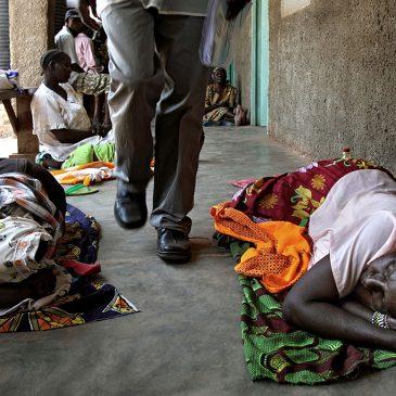 Papa Francesco vicino al Sud Sudan