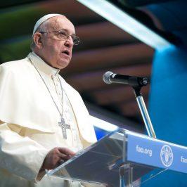 Papa Francesco fa una donazione alla Fao