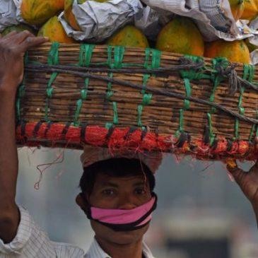 India, con la pandemia famiglie sempre più indebitate