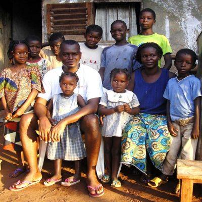 Una Famiglia-Kizito
