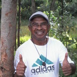 Madagascar, il parroco che pianta alberi per ogni famiglia