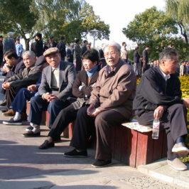 La ricetta di Pechino: lavorare (e consumare) a 70 anni