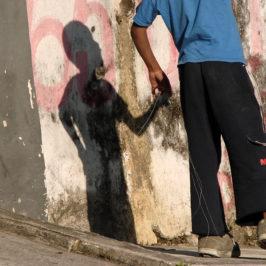 Gli aquiloni sulle favelas del Coronavirus