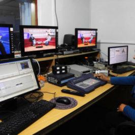 Afghanistan, negoziati in stallo e sangue sui media