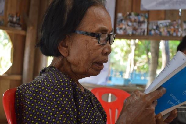 Convertita ma non pentita: la svolta a metà dell'attivista dei khmer rossi
