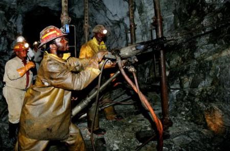 Sudafrica: risarcimenti ai minatori d'oro colpiti da silicosi
