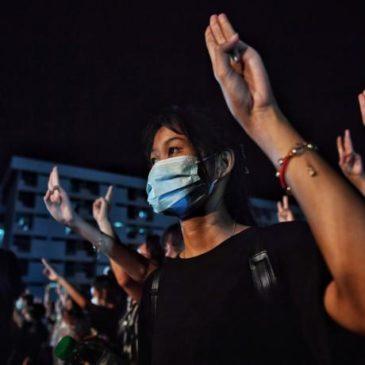 Thailandia: le proteste, la repressione e i «poteri forti» in bilico