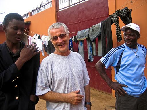 Il Covid-19 minaccia anche i ragazzi di strada di Yaoundé