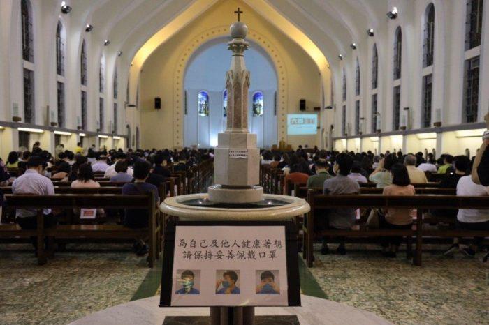 Hong Kong, la stretta che funziona e le difficoltà della Chiesa