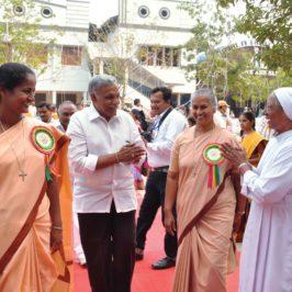 India, missionarie (anche) a casa propria