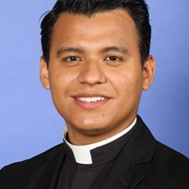 Padre Rey, il prete «Dreamer»