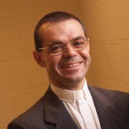 Il dono senza riserve di padre Ferrara