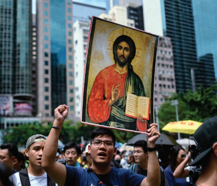 Hong Kong di lotta e di preghiera