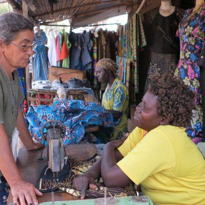 Suor Maria al mercato di Palorinya