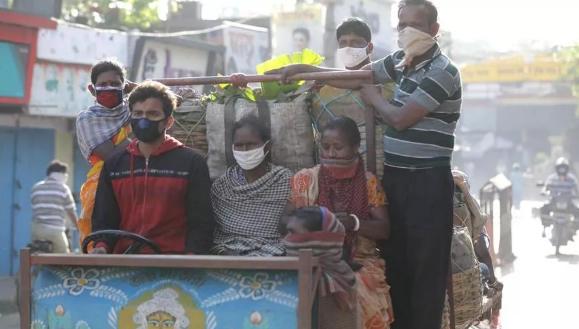 L'India in ginocchio per il blocco