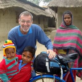 Bangladesh. Padre Parolari vittima di un agguato è fuori pericolo