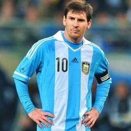 La maestra: «Caro Messi, mostra ai ragazzi che non conta solo essere primi»
