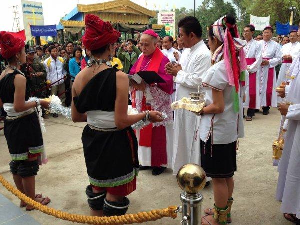Filoni: «Grazie per i 150 anni del Pime in Myanmar»