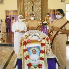 L'ultimo saluto a suor Celine, tra le prime indiane delle Missionarie dell'Immacolata