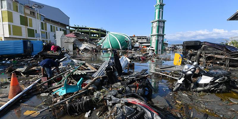 Tsunami in Indonesia, disastro e improvvisazione