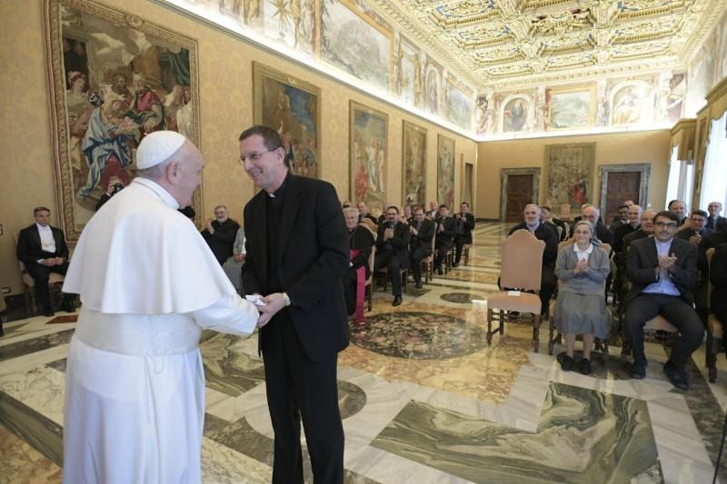 Il Papa al Pime: «Il missionario non cerca soci, apre spazi a Gesù»