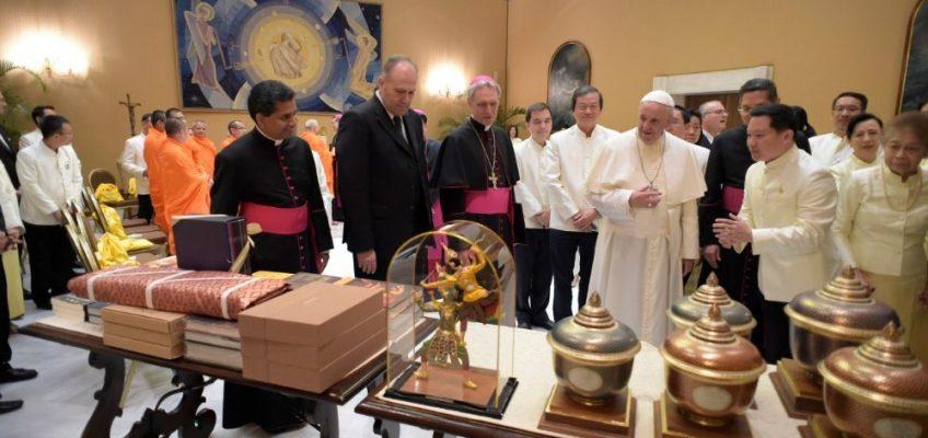 La Thailandia che attende papa Francesco
