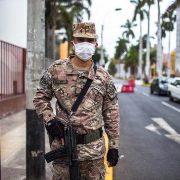Perù, l'unico Paese che non vaccina gli anziani