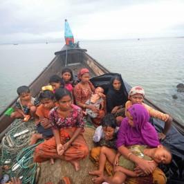 Il Bangladesh vuole mandare su un'isola i Rohingya
