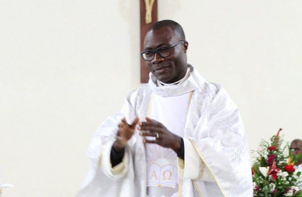 Camerun, l'ordinazione di padre Romuald