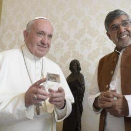 Satyarthi: «Una convenzione Onu contro abusi sessuali e pornografia on line»