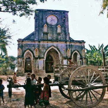 Ta Om, la Chiesa ritrovata tra le risaie
