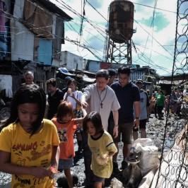 Tagle: tra i poveri di Tondo la stella di oggi