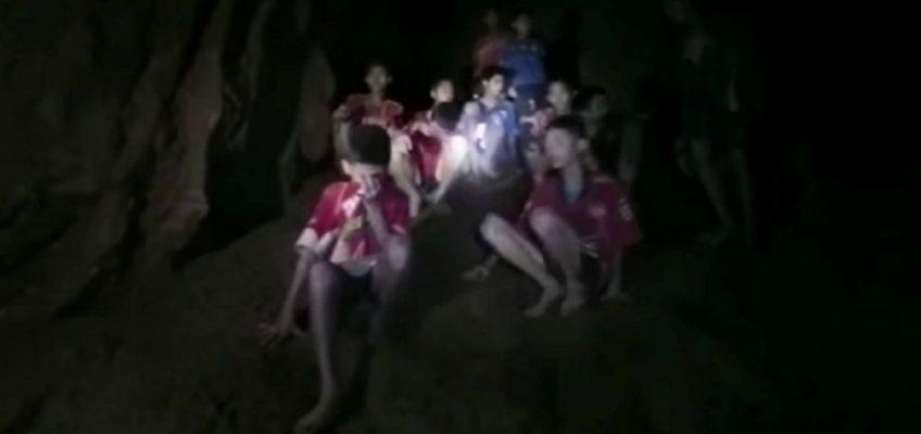 Oltre il buio coi ragazzi di Than Luang