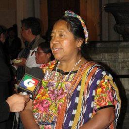 Rosalina Tuyuc, le vedove e la Madre Terra