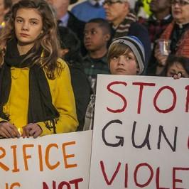 Usa: l'anniversario di Newtown riaccende la campagna anti-armi
