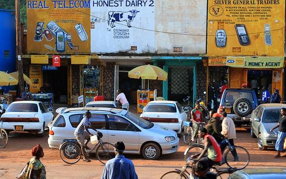 Le due facce dell'Uganda che aspetta il Papa