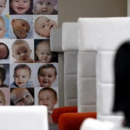 Thailandia, tribunale dà ragione alla «fabbrica dei bambini»