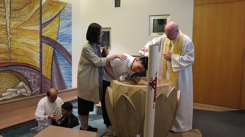 A Pasqua oltre 2.800 battesimi per la Chiesa di Hong Kong