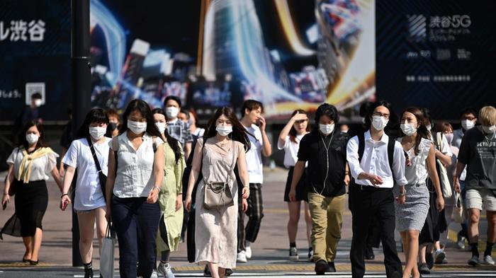 """Giappone, il Covid ferma ancora la """"womenomics"""""""