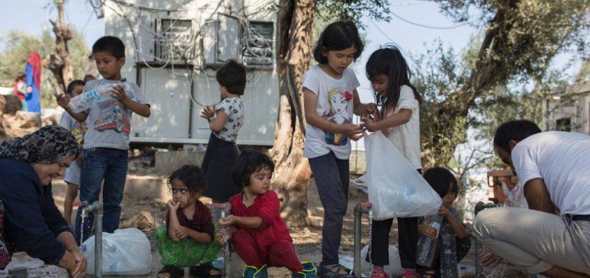 Isole greche, l'incubo del virus nei campi profughi