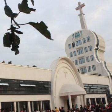 In Cina una chiesa a forma di violino
