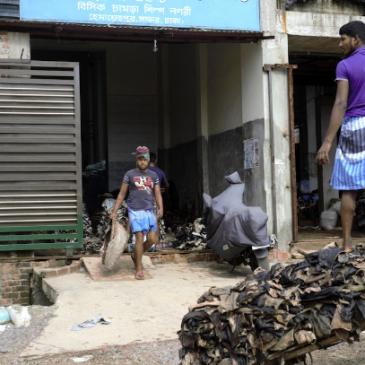 Bangladesh, due lavoratori della pelle su tre hanno problemi di salute