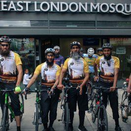 Per Allah e la Siria: in bicicletta da Londra a Medina