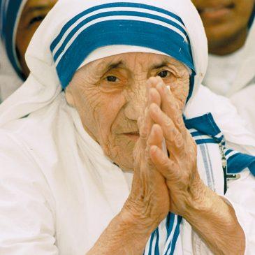 Arundhati Roy: «Se Madre Teresa fosse viva oggi in India sarebbe in carcere»