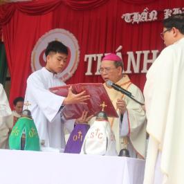 Prima Messa del Crisma per alcuni cattolici vietnamiti