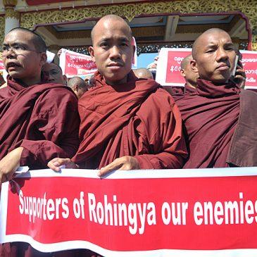 Rohingya, Aung San Suu Kiy tra due fuochi