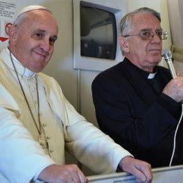 Accanto ai Papi ho incontrato il mondo