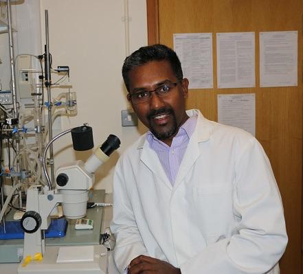 Il gesuita dello Sri Lanka all'avanguardia negli studi sul cancro