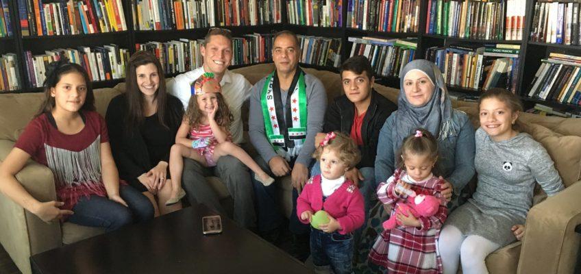 Coi rifugiati siriani il Thanksgiving del rabbino