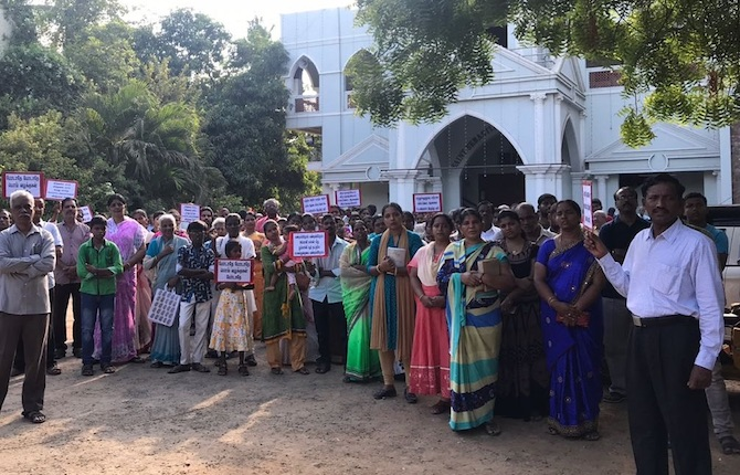 Dopo 13 morti il Tamil Nadu ferma il gigante minerario Vedanta